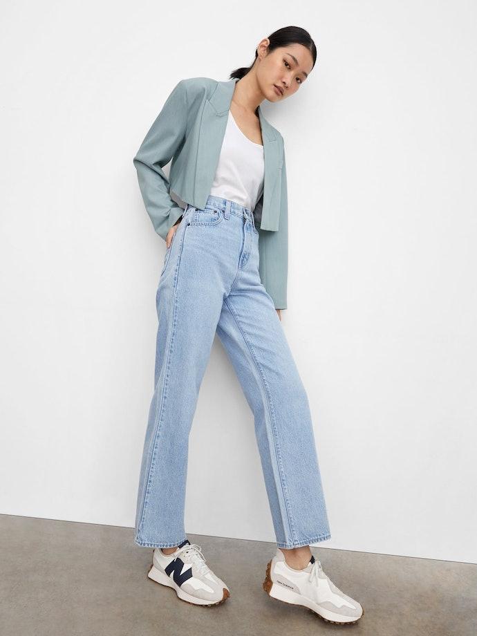 Gaya kasual yang simpel dan stylish