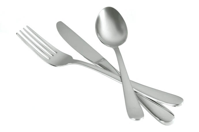 Bahan stainless steel, tahan karat dan awet digunakan sehari-hari