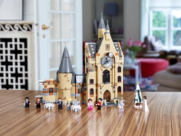 Building sets: Model bangunan seperti Diagon Alley dan Hogwarts Castle
