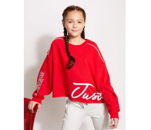Pullover, disarankan untuk anak perempuan remaja