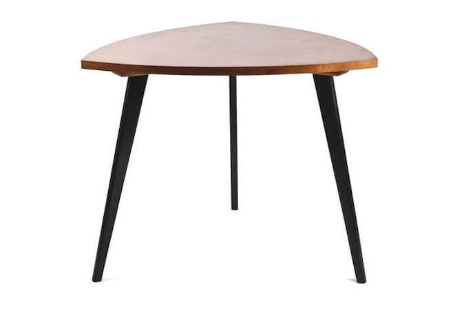 Pilihlah meja yang tingginya sesuai dengan kebutuhan Anda
