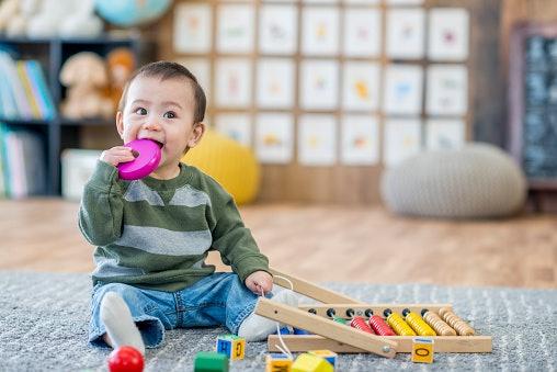 Pastikan mainan aman untuk anak