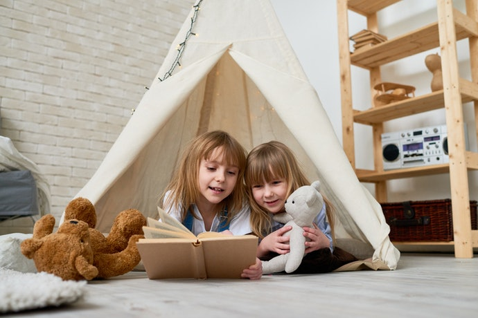 Untuk pemasangan di area indoor, sesuaikan tenda dengan ukuran ruangan