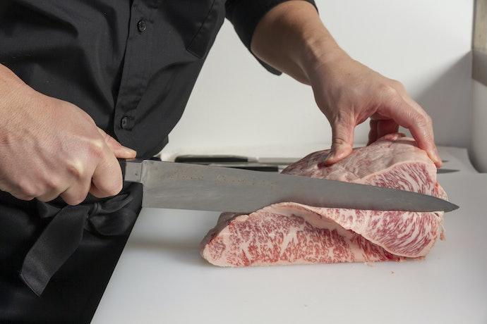 Pisau daging, memiliki ciri dan kegunaannya masing-masing