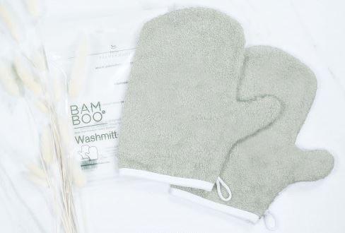 Wash mitt, lebih mudah dipakai karena berbentuk tangan