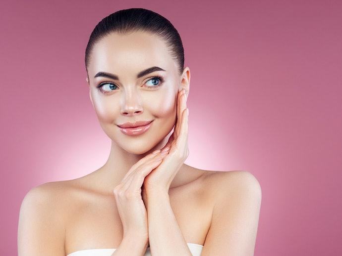 Bubuk berlian: Mencerahkan dan mengatasi kulit kusam