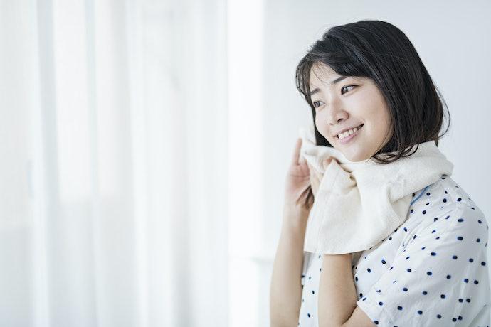 Jika memilih tonik penumbuh rambut yang tergolong pengobatan medis, pastikan produknya khusus untuk wanita