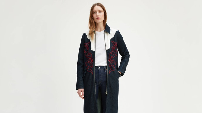 Coat: Statement outfit yang eye-catching