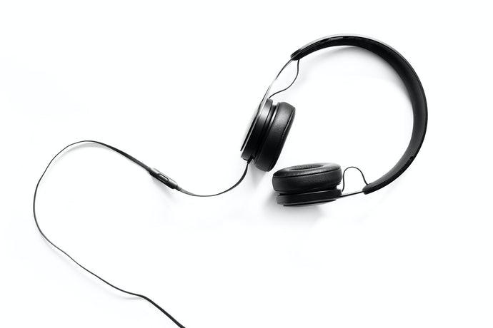 Headphone atau Earphone? Gunakan yang sesuai dengan player