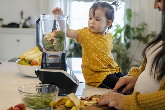 Blender MPASI elektrik, kekuatan lebih besar untuk menghaluskan makanan