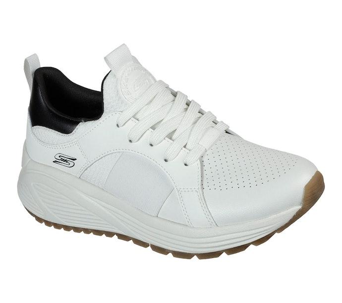 Sneakers, super nyaman serta andal dalam melindungi kaki