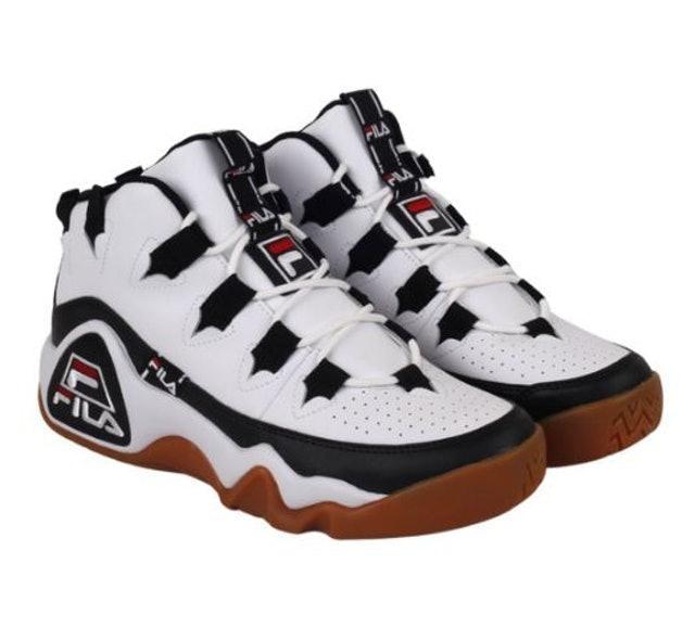 Basketball shoes, tingkatkan performa dan karisma di lapangan