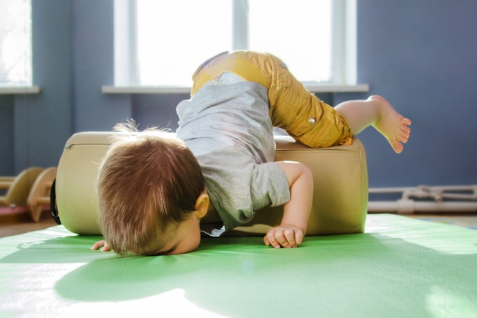 Pertimbangkan karpet yang antislip untuk keamanan penggunaan