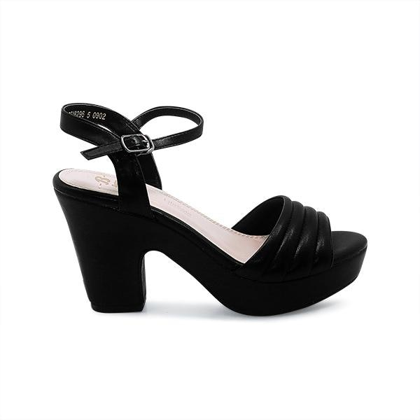 Heels, anggun dan memberikan kesan jenjang