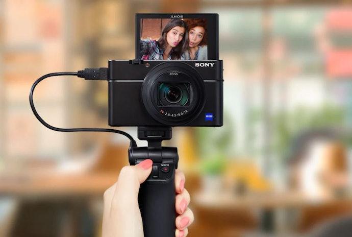 Hand grip, lebih praktis untuk video dan selfie