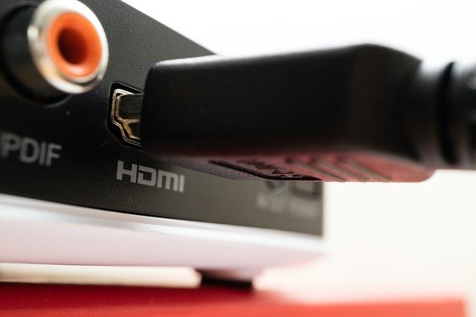 Pastikan produknya memiliki port HDMI jika Anda ingin menghubungkan smartphone ke monitor