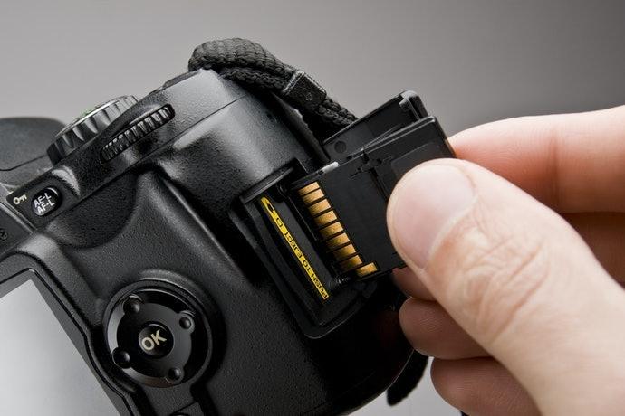Pastikan kamera Anda kompatibel dengan Wi-Fi SD card