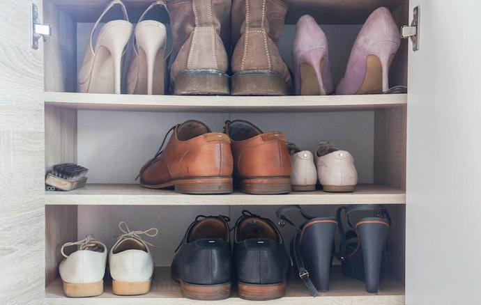 Perhatikan jenis sepatu yang akan Anda simpan