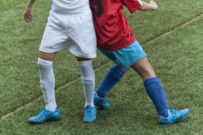 Kaos kaki panjang sepaha: Melindungi lutut dengan lebih baik