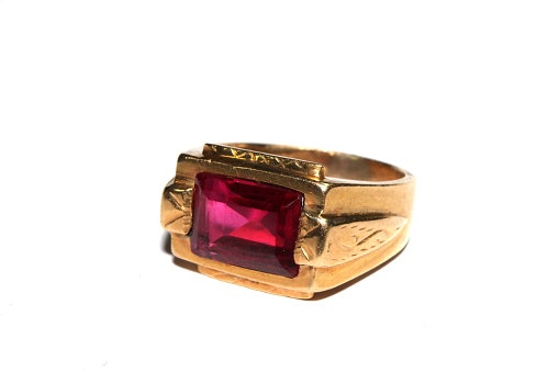 Karakteristik cincin emas pria