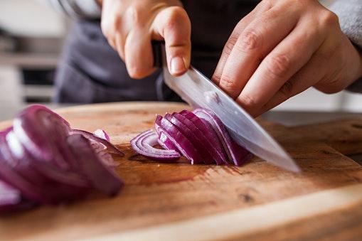 Bawang merah, bikin sambal makin gurih dan wangi