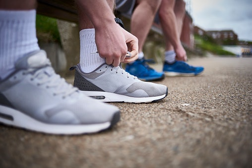 Olahraga: Pilih bahan yang breathable dan antiselip