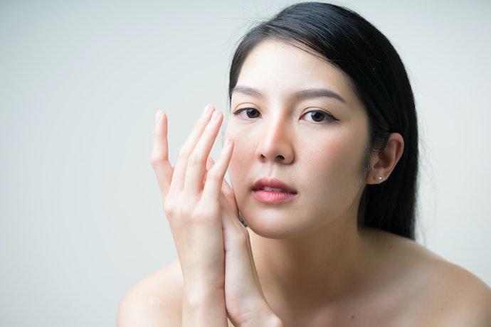 Vitamin C: Menjaga kelembutan dan kelembapan kulit