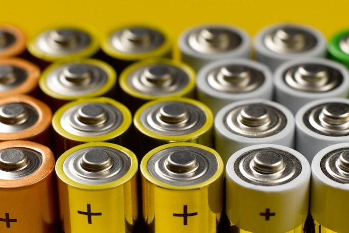 Baterai sekali pakai, dapat langsung diganti ketika habis