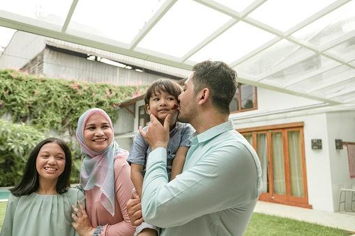 Rumah tangga, raih kebahagiaan dalam keluarga