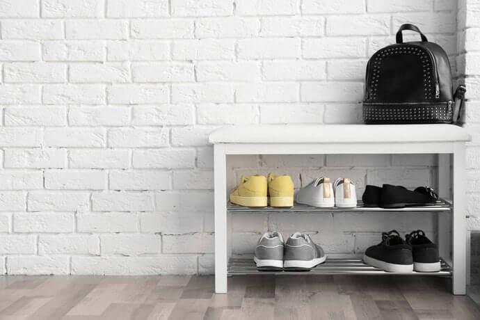 Rak sepatu susun, bisa menghiasi ruangan sekaligus