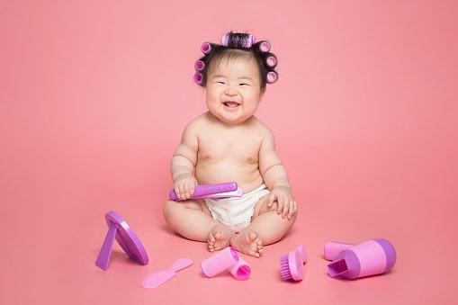 Perempuan, pilih mainan berwarna pastel atau warna cerah lain