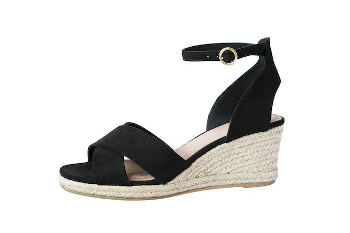 Model ankle strap: Lebih stylish dan feminin