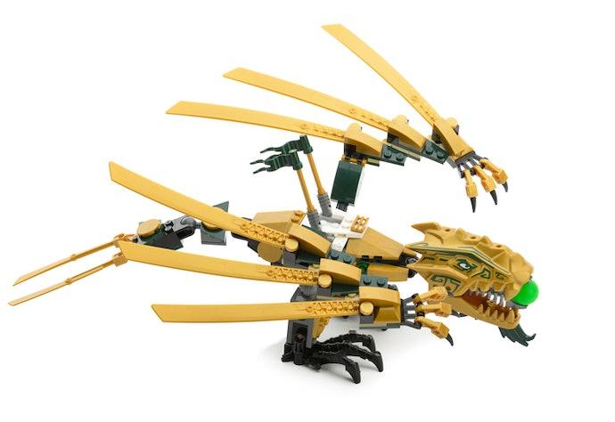 Perhatikan ukuran dari LEGO NinjaGo