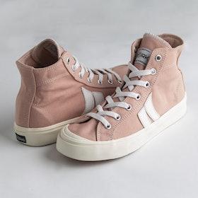 10 Merk Sepatu Pink Terbaik (Terbaru Tahun 2021) 3