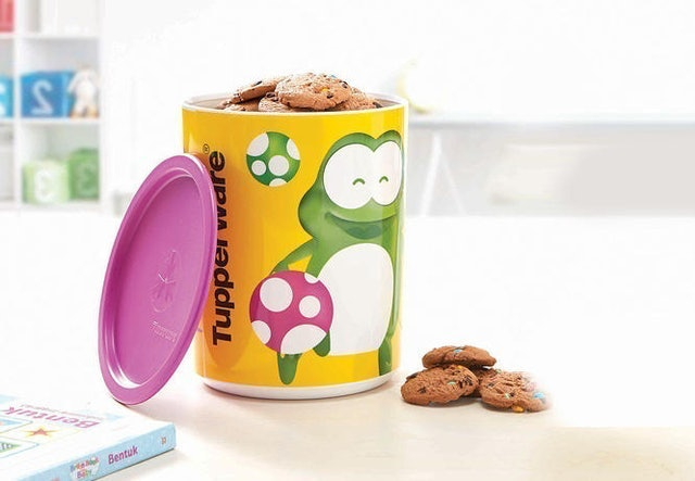 Tupperware Playful Froggy Canister 1