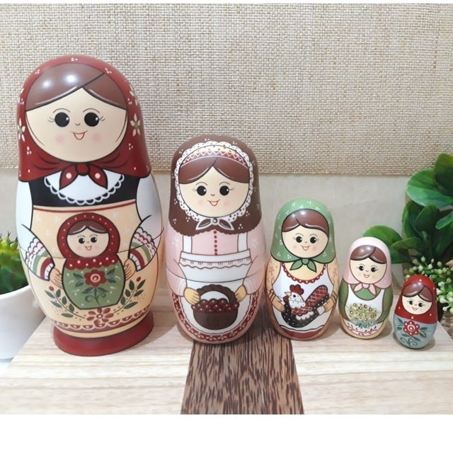 Boneka Matryoshka Heidi and Friends 1