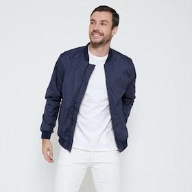 10 Merk Jaket Parasut Terbaik untuk Pria (Terbaru Tahun 2021) 3