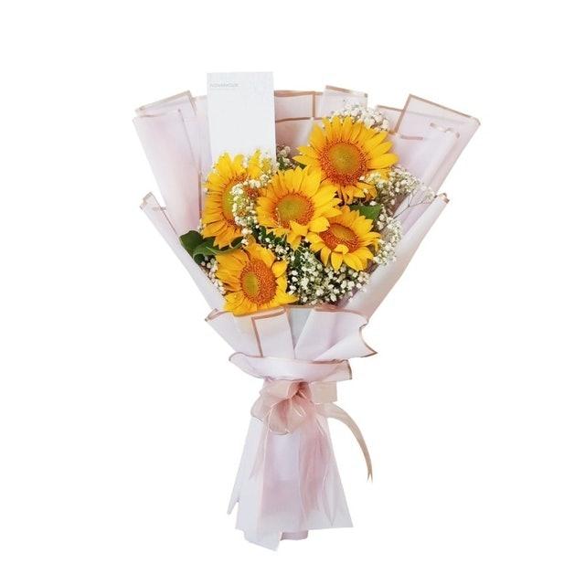Flowerhouse Sunny Sunflower Bouquet 1