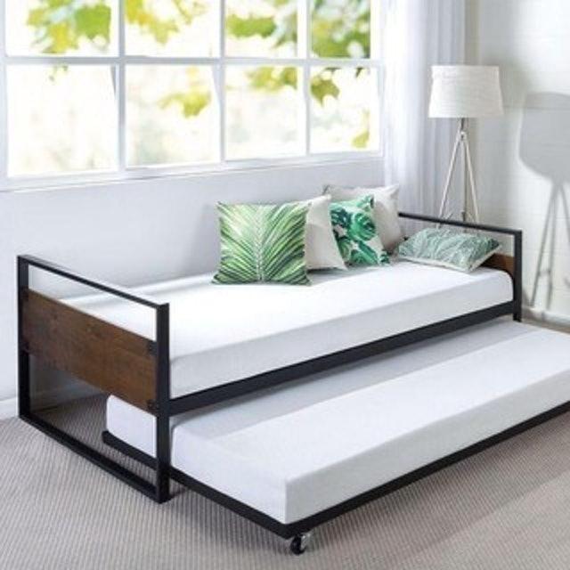Tempat Tidur Sorong Besi 1