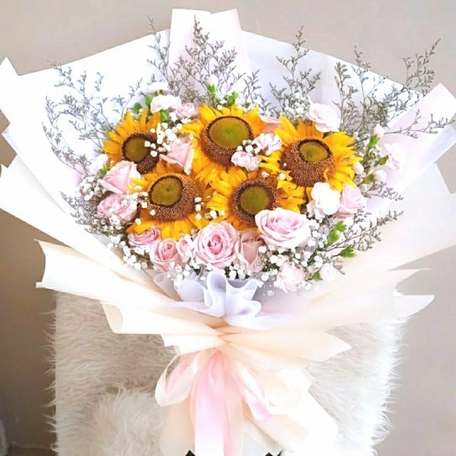 Bloom Flourish Supplier Bouquet Sunflower Bunga Segar 1