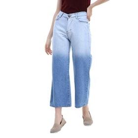 10 Merk Boyfriend Jeans Terbaik untuk Wanita (Terbaru Tahun 2021) 4