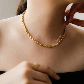 10 Merk Kalung Titanium Terbaik untuk Wanita (Terbaru Tahun 2021) 1
