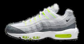 10 Rekomendasi Sneakers Nike Terbaik untuk Pria (Terbaru Tahun 2021) 3