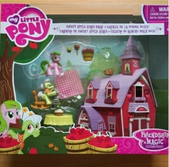 Hasbro My Little Pony Friendship is Magic Collection Sweet Apple Acres Barn Pack 1