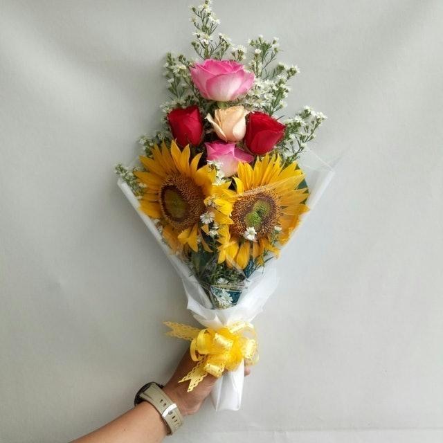 Freshcut Flower Buket Bunga Mawar Mix Bunga Matahari Asli 1