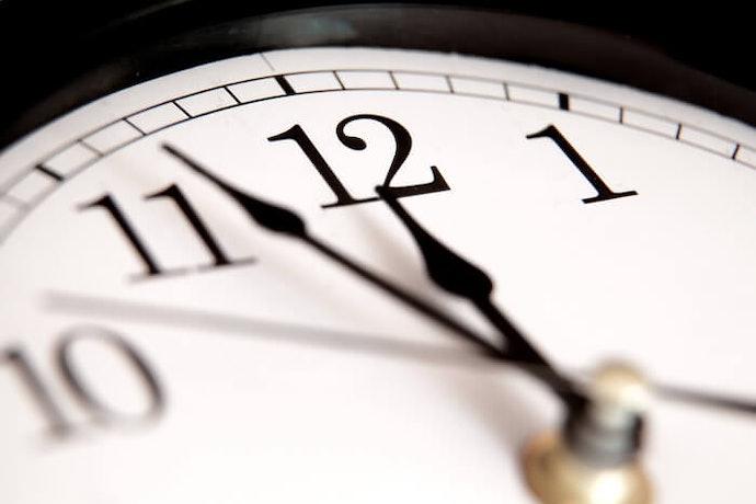 Pilih jam dengan indikator yang mudah dilihat