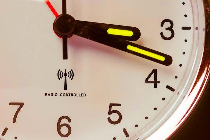 Pilih jam radio untuk waktu yang tidak pernah meleset