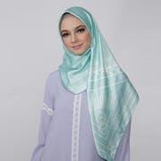 10 Merk Jilbab Satin Terbaik (Terbaru Tahun 2021)